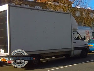 Edgware-waste-removal-truck