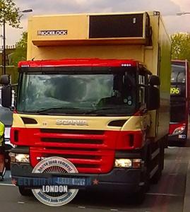 Merton-Park-large-garbage-truck