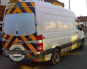Muswell-Hill-small-garbage-vehicle