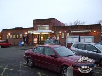 Worcester-Park-Station