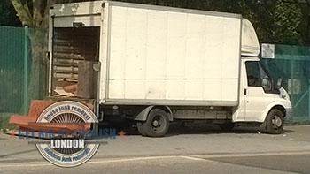 Wallington-safe-rubbish-disposal